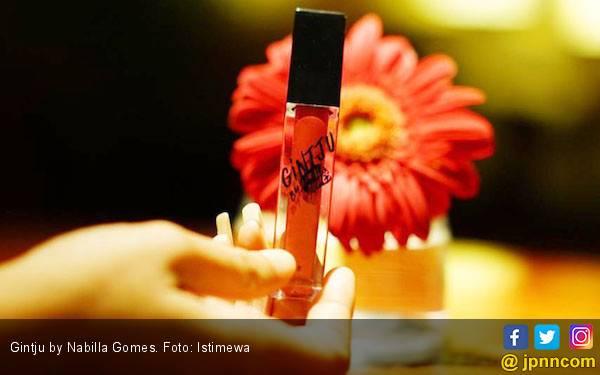 Gintju Lipmatte by Nabilla Gomes Tahan Hingga 24 Jam - JPNN.com