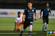 Gelandang Persib Akui Jadwal Lanjutan Liga 1 2020 Cukup Berat - JPNN.com