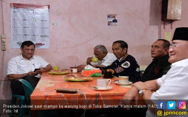 Nongkrong Bareng Menteri dan Gubernur, Jokowi Seruput Kopi Rp 7 Ribu - JPNN.com