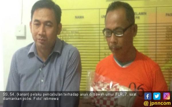 Kakek Pencabul Anak Tetangga Ini Terancam Dihukum 15 Tahun Penjara - JPNN.com