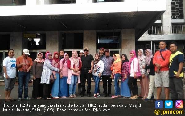 Silatnas Honorer K2 Batal, Massa dari Jatim Sudah di Jakarta - JPNN.com