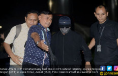 Detik – detik Menegangkan Romi Cekcok dengan Petugas KPK - JPNN.com