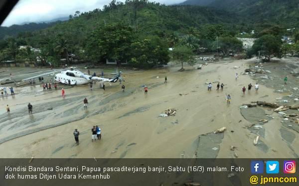 Banjir Surut, Bagaimana Kondisi Penerbangan di Bandara Sentani? - JPNN.com