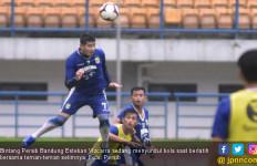 Miljan Radovic Pengin Persib Lawan Tim Luar Indonesia - JPNN.com