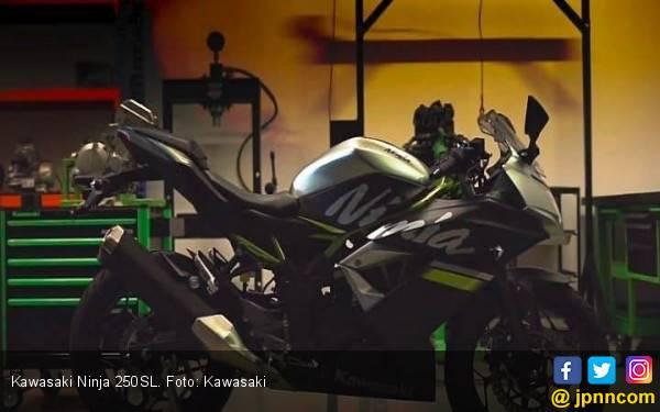 Harga Baru Kawasaki Ninja 250SL Rp 37,9 Juta - JPNN.com