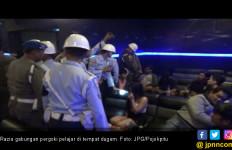 Jelang Ujian Nasional, 4 Pelajar Fokus Dugem Bareng Mbak -Mbak Cantik - JPNN.com