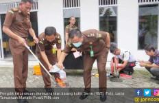 Kejaksaan Musnahkan Barang Bukti Hasil Kejahatan - JPNN.com