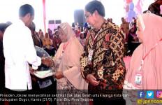 Presiden Jokowi Bagikan 5.000 Sertifikat Tanah untuk Warga Bogor - JPNN.com