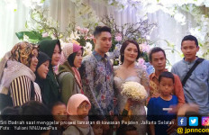 Sah, Siti Badriah jadi Istri Krisjiana - JPNN.com