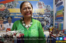 Mama Theodora, Harumkan Nama Ambon di Dunia Lewat Limbah Sisik Ikan - JPNN.com
