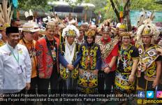 Ma'ruf Amin Terima Gelar Pemimpin Bijaksana dari Masyarakat Dayak - JPNN.com
