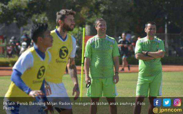 Persib Compang-camping Lawan Borneo FC - JPNN.com