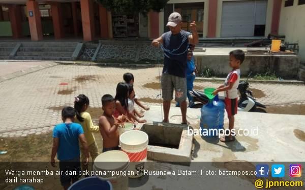 Penghuni Rusunawa Batamec Kekurangan Air Bersih - JPNN.com