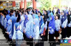 Percuma Berjuang, Ternyata Tidak Ada Tempat bagi Honorer K2 di Era Jokowi - JPNN.com