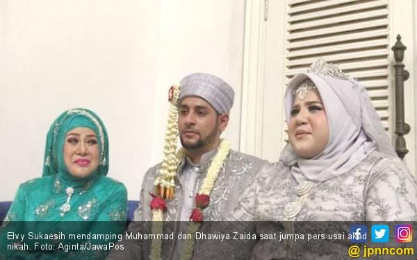 Menantu Terjerat Kasus Narkoba, Elvy Sukaesih Singgung Perceraian - JPNN.com