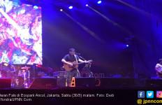 Sedang Konser, Iwan Fals Singgung Debat Capres - JPNN.com