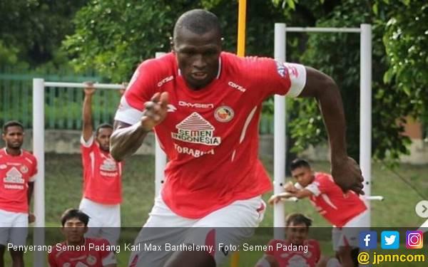Barthelemy Resmi Dikontrak Semen Padang FC dengan Durasi Satu Tahun - JPNN.com