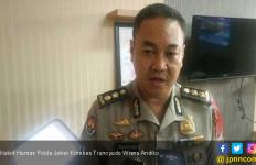 Sejumlah Polisi Terbakar Saat Amankan Demo, Polda Jabar: Ada yang Sengaja Lempar Bensin ke Anggota - JPNN.com
