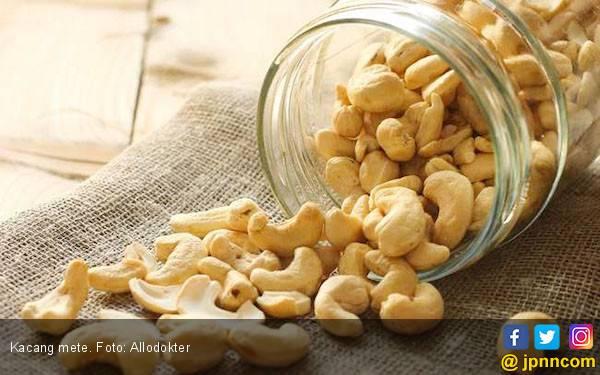 15 Manfaat Mengonsumsi Kacang Mete - JPNN.com