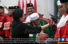 Bu Mega Bagi Kartu Tanda Anggota PDIP untuk Habib dan Purnawirawan TNI-Polri - JPNN.com