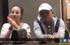 Tepergok Nongkrong Bareng, Sule Serius Mau Nikahi Model Seksi? - JPNN.com