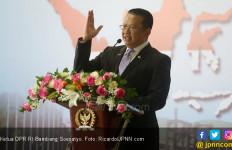 Ketua DPR RI Mencoblos di TPS 15 Purbalingga - JPNN.com