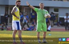 Miljan Radovic Pengin Persib Lawan Barcelona - JPNN.com