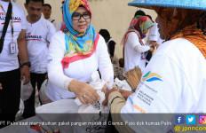 Sambut HUT BUMN, Pelni Salurkan Paket Sembako Murah di Ciamis - JPNN.com