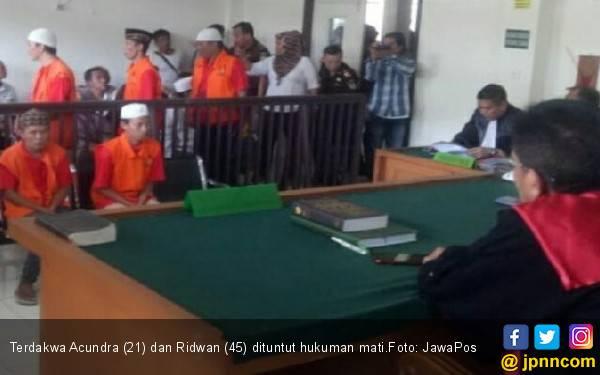 Tok! Dua Terdakwa Pembunuh Sopir Taksi Online Dituntut Mati - JPNN.com