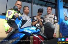 Lah Cemen, Ditangkap Polisi Kurir Curanmor Malah Nangis - JPNN.com