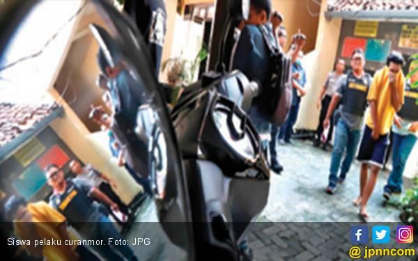 Bandit Curanmor Masih Berkeliaran, Hati - Hati Parkir Motor - JPNN.com