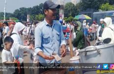 Berkah dari Kampanye Akbar Prabowo, Siomai Ludes, Penghasilan Rojali Meningkat - JPNN.com