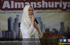 Intan Fauzi Apresiasi Kemenhub Karena Bantu Satu Unit Bus untuk SDIT Almanshuriyah - JPNN.com
