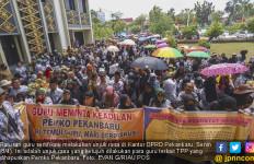 Ratusan Guru Sertifikasi Kembali Demo Tuntut Dana TPP tak Dihapus - JPNN.com