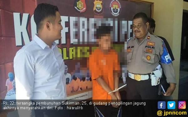 Pelaku Pembunuhan Sadis di Penggilingan Jagung Menyerahkan Diri - JPNN.com