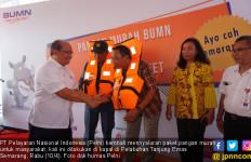 HUT ke-21 Kementerian BUMN, Pelni Berbagi Pangan Murah ke Penumpang - JPNN.com