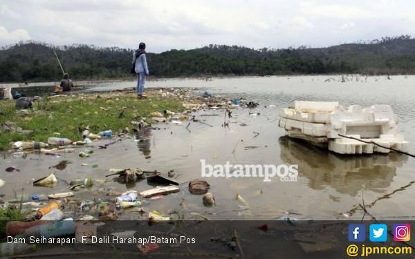 Musim Kemarau, Warga Belakangpadang Alami Krisis Air Bersih - JPNN.com