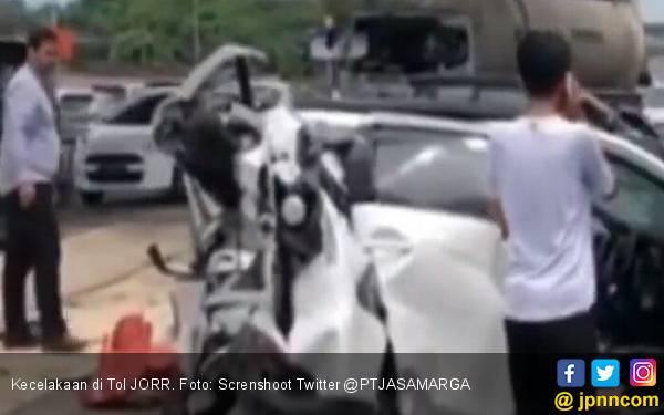Kecelakaan di Tol JORR, Seorang Wanita Tewas - JPNN.com