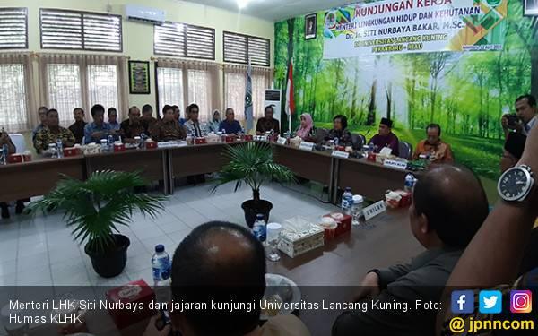 KLHK Ukir Sejarah di Riau, Beri SK Hutan Pendidikan untuk Unilak - JPNN.com