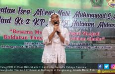 Saraswati Ungkapkan Kekagumannya terhadap Kiai Nukman Muhasyim - JPNN.com