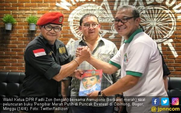 Persembahan Fadli Zon buat Pengibar Dwiwarna & Pengumandang Takbir di Puncak Bumi - JPNN.com