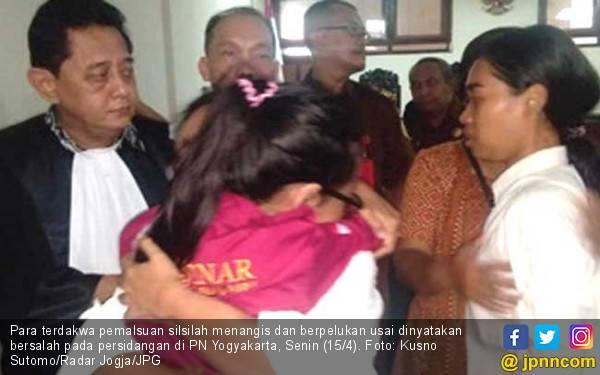 Didakwa Gelapkan Silsilah Bangsawan, Suwarsi Kena Hukuman Percobaan - JPNN.com