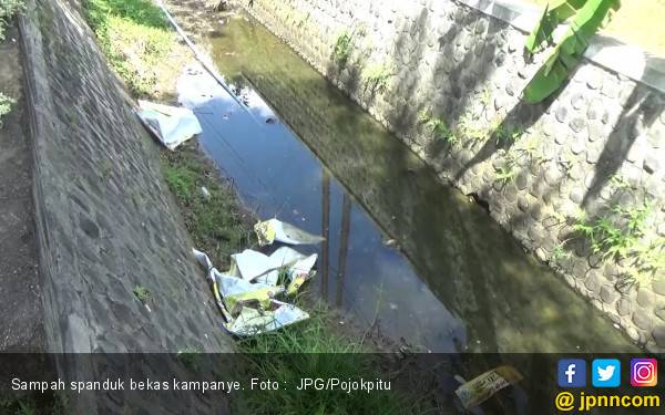 Sampah Poster Kampanye kok Dibuang ke Selokan - JPNN.com