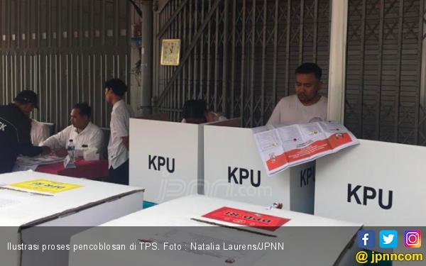 Distribusi Kotak Suara Bermasalah, Pemilu di 3 TPS Kali Abang Tengah Ngaret - JPNN.com