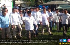 Usai Mencoblos, Prabowo Diteriaki Ibu - Ibu: Presiden, Presiden, Presiden - JPNN.com