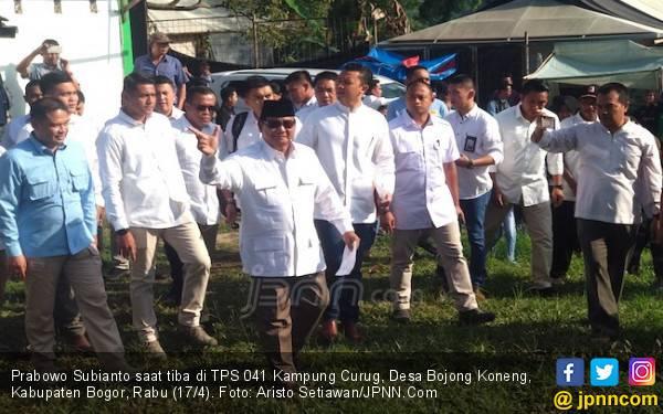 Sempat Dikabarkan Mau Berkuda, Prabowo Naik Lexus Datangi TPS - JPNN.com