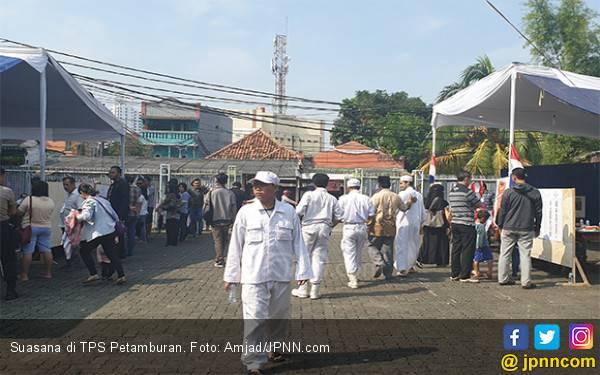 Keluarga Habib Rizieq Shihab Dikawal LPI ke TPS - JPNN.com
