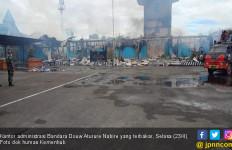 Kantor Administrasi Bandara Douw Aturure Nabire Terbakar - JPNN.com