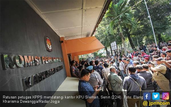 Honor KPPS Cuma Rp 500 Ribu, Astaga! Masih Ada yang Belum Terima - JPNN.com