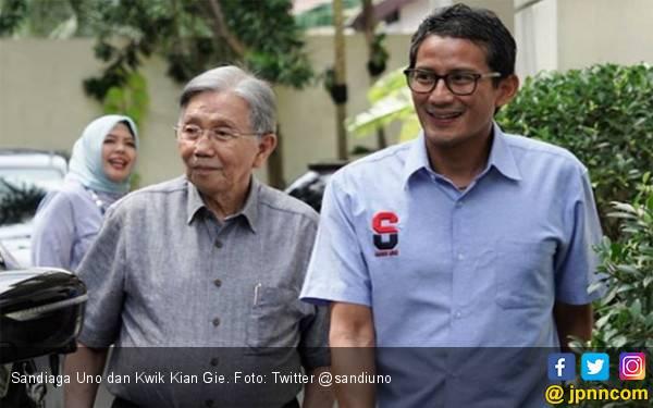 Kwik Kian Gie Datang ke Rumah Bang Sandi, Apakah Ini soal Posisi Menko Ekonomi? - JPNN.com